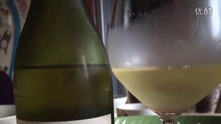 小黑品酒158集,夏日绝美的干白体验!莎当妮和白苏维翁各一支解暑!葡萄酒视频