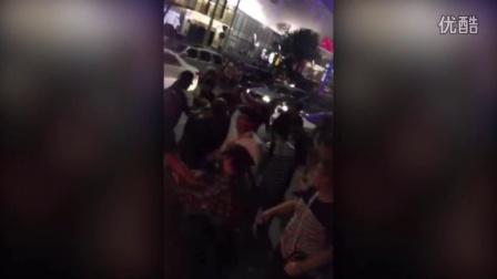 实拍因刮蹭通州公交司机遭私家车暴打