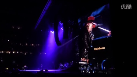 GUNS N ROSES NOVEMBER RAIN live in DETROIT at Ford Field 6_23_2016 HD