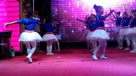 舞蹈 party  girl (roly  poly )