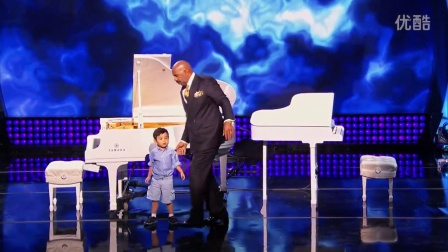 Little Big Shots - Four-Year-Old Piano Prodigy - 小家伙钢琴弹得还可以啊!