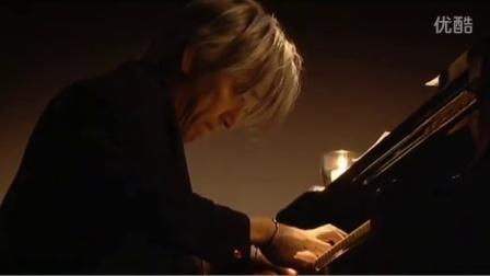 坂本龙一演奏《圣诞快乐,劳伦斯先生》