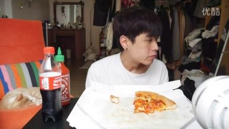 英文吃播BenDeen吃必胜客披萨