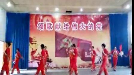 柔力球:昆明宜良县老年大学提高班表演中国歌最美