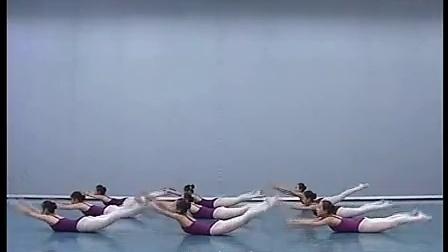 北舞附中 中国舞蹈武功示例课2年级女班_21 素质练习_标清