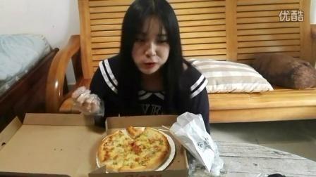 胖子多多酱39元大披萨居然这么好吃