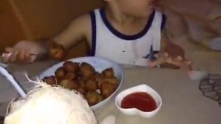 炸丸子猪肚汤酸奶葡萄干蛋糕配椰子水