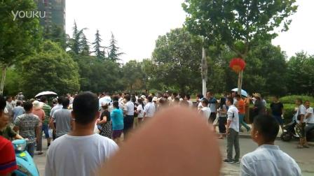 郑州和昌湾景国际开发商强制交房雇黑社会殴打业主