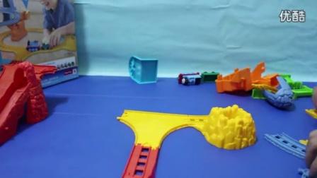 托马斯和他的朋友们 托马斯小火车恐龙化石运输轨道玩具套装_高清