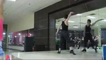 李亮老师舞蹈《爱在天地间》