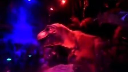 广州长隆野生动物园23恐怖的恐龙区,两怪物恶斗!