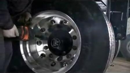 视频4、荆门宏图行走机构的轮胎安装