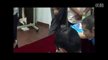 中医教学-冯天有新医正骨手法陈杰教学胸椎的复位手法1