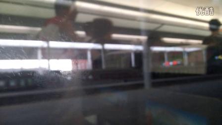 G49次哈尔滨西站10站台停车
