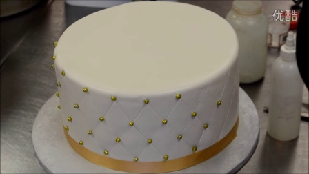 如何制作土豪金主题生日蛋糕