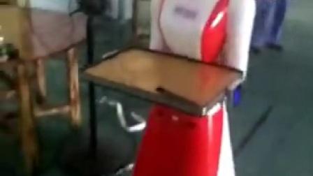 大岗仙庙烧鸡(阳江店)机器人传菜员