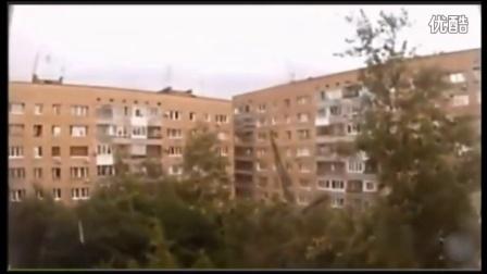 """俄羅斯巨型""""爬墻怪物""""終于在大白天也被拍到了!"""
