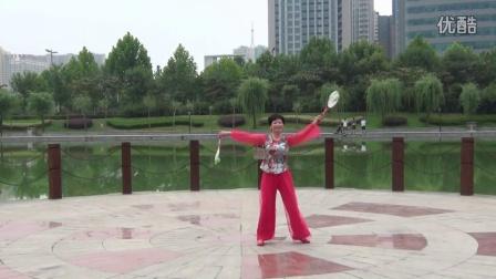 2、第二十九套柔力球双拍双球健身套路(亲亲茉莉花)李翠芳个人正面动作示范