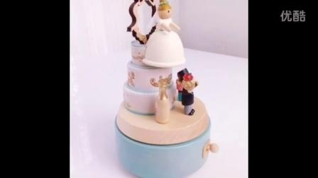 台湾蓝白婚礼蛋糕音乐盒