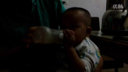 【拍客】宝宝特别喜欢吃螺旋藻南瓜粉