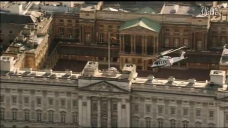 伦敦奥运经典一幕,当女王纵身一跃,邦德专属配乐响起,瞬间燃了