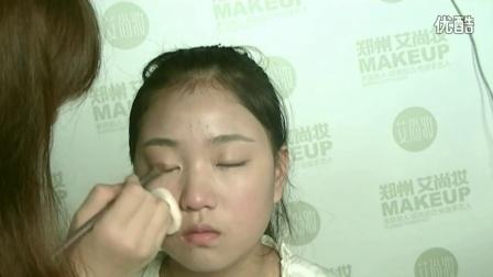 从零开始学化妆教程_生活妆个人化妆教程_学生化妆步骤