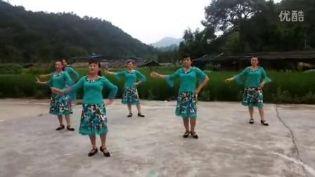 """韶关市仁化县长江镇""""快乐姐妹广场舞""""《嗨出你的爱》"""