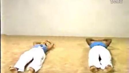 格斗之舞--巴西武术卡波拉舞教学片1 热身篇_