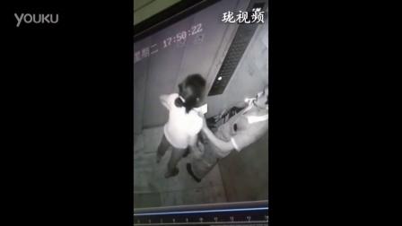 监控:男女按耐不住电梯内上演不雅一幕