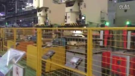 五金冲压钣金-沁峰冲压机械手视频
