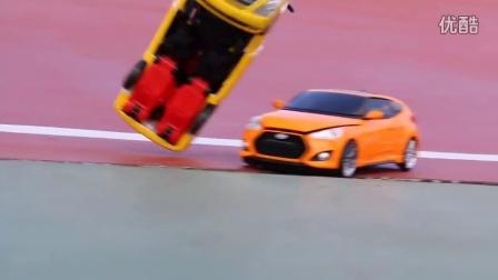 汽车带发条的玩具 谁更快?儿童玩具;  儿戏 童年 [迷你特工队之英雄的变形金刚]
