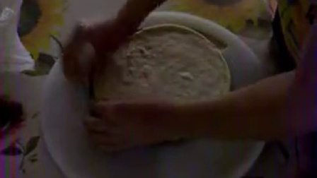 想知道培根披萨制作全过程吗?分享了,在家自己做着吃。