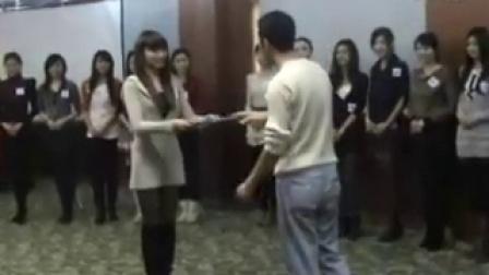 2010年北京车展日产展台礼仪小姐选拔3_标清