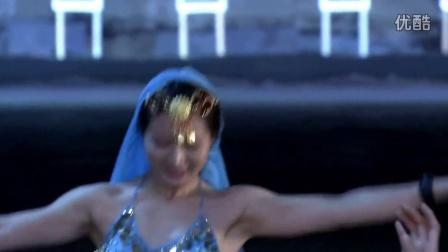 女特种兵训练受表扬,刘晓洁和程愫跳起舞来好漂亮啊!