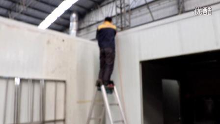 展览公司喷漆房风机弯头安装中-耀焜环保