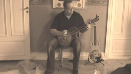 Un-boxing the Highway 61 singlecone resonator guitar!