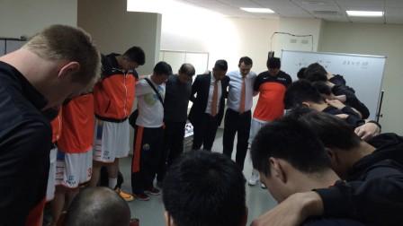 我們賽前的傳統...禱告!