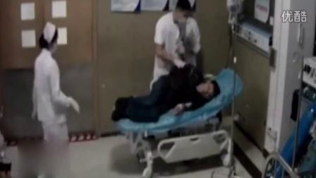 上海一医生连续工作32小时后吐血画面!