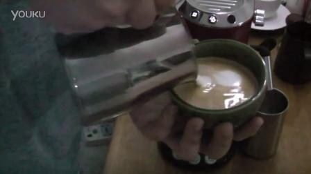 咖啡拉花首拍(latte art)
