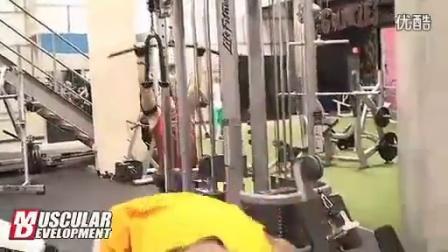 【健美训练】劳埃德.道拉斯最新手臂训练录像
