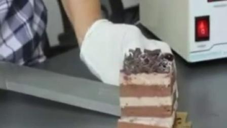 慕斯蛋糕切块