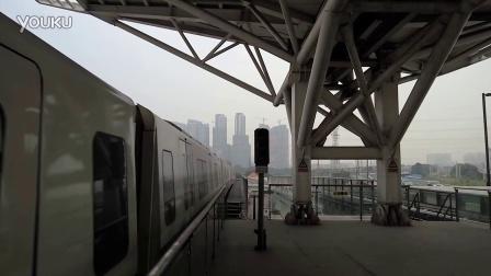 广州地铁5号线列车坦尾站(滘口方向)进站
