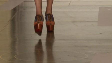 2014春夏伦敦时装周JonathanSaunders秀场视频