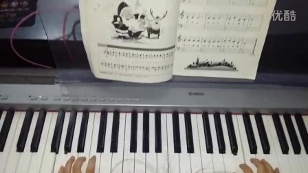 孟雨萱弹钢琴 铃儿响叮当