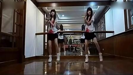 萱萱广场舞小苹果教学视频 含细节分解动作
