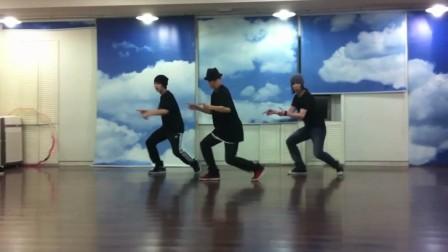[E[www.awq.cc]XO] Greg with Lay & Xiu Min 舞蹈练习室