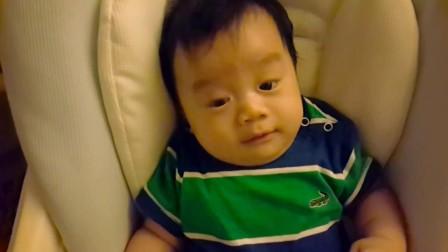寶寶,你怎麼這麼驚訝?媽咪表示:已笑翻XD