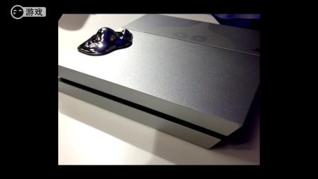 《勇者斗恶龙》限定版银色PS4主机 好多的史莱姆呀!
