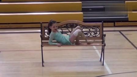 截肢小女孩参加学校的舞蹈比赛 告诉人们要正视自己的真实与美丽