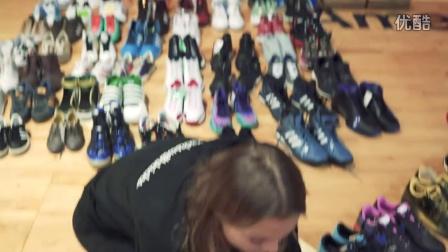 收藏球鞋超过6000双的女生